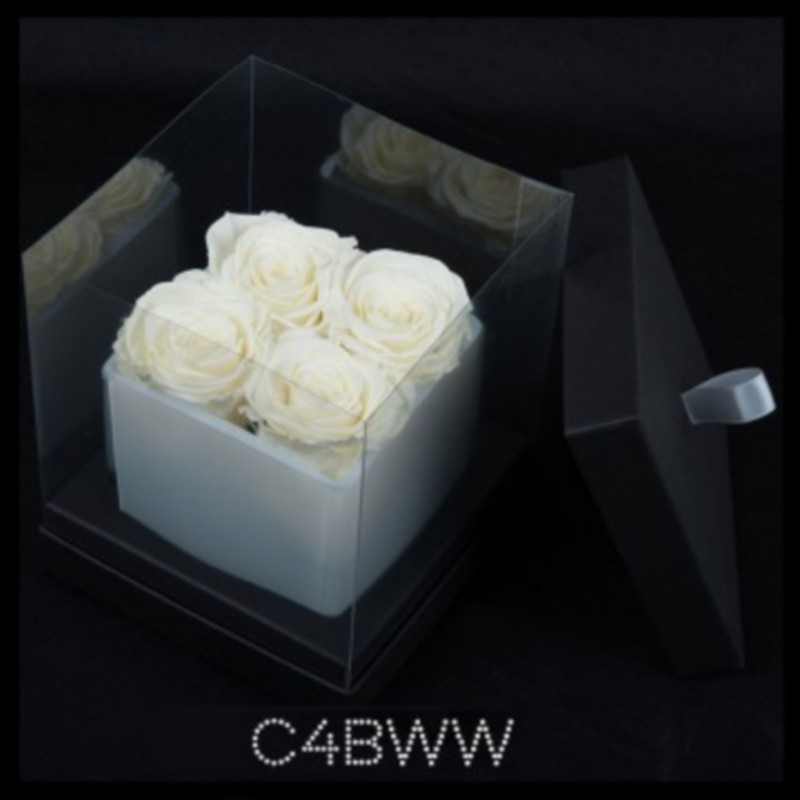 Cube Blanc 4 Roses Blanches (boîte Noire)