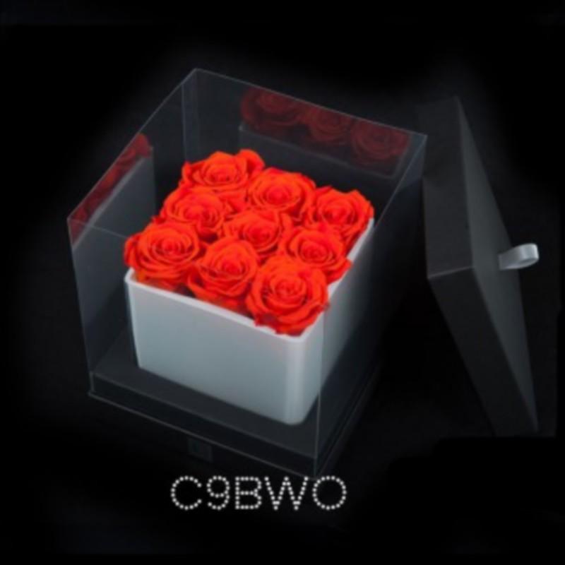 Cube Blanc 9 Roses Oranges (boîte Noire)